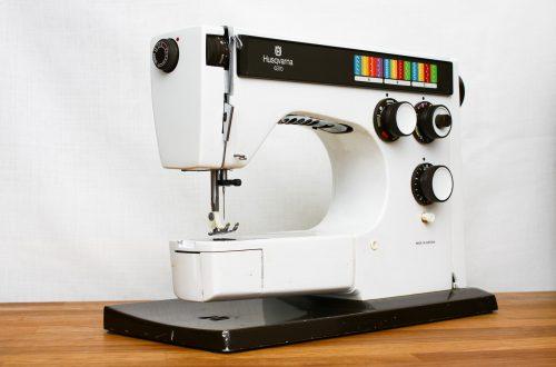 Machine à coudre HUSQVARNA